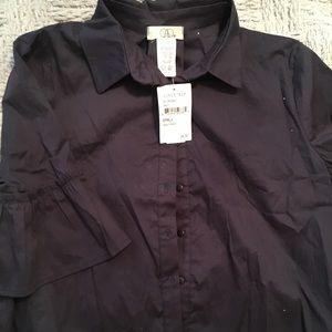 Cute NWT black shirt w/ bell sleeves